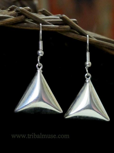 simply elegant triangle dangle earrings. Black Bedroom Furniture Sets. Home Design Ideas