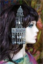 Hair pendant on manikin