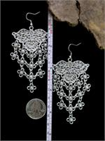 Earrings with ruler