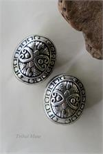 Set of 2 ornate puff beads